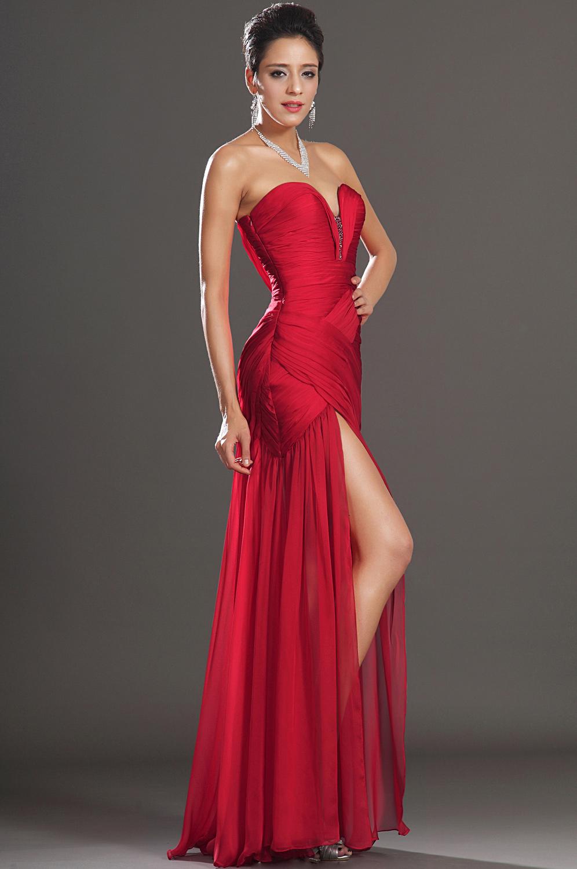 Robe rouge de fete