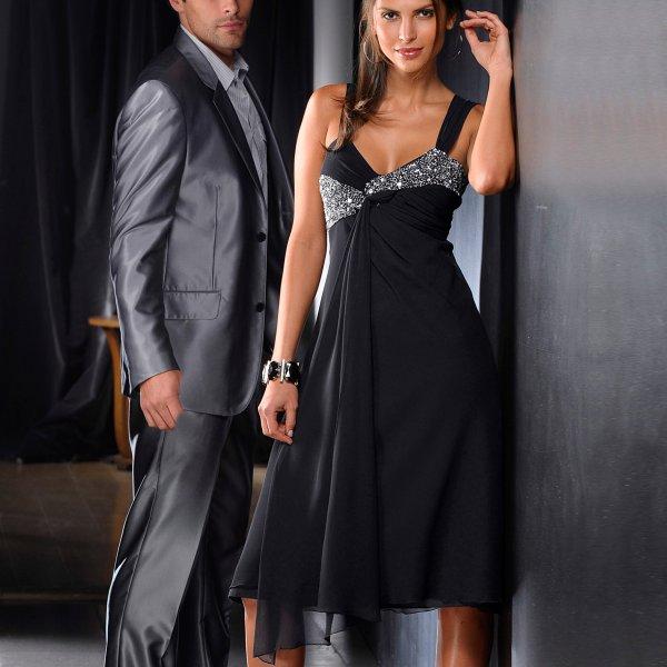 Robe pour soir e anniversaire photos de robes for Robes formelles pour 50e anniversaire de mariage