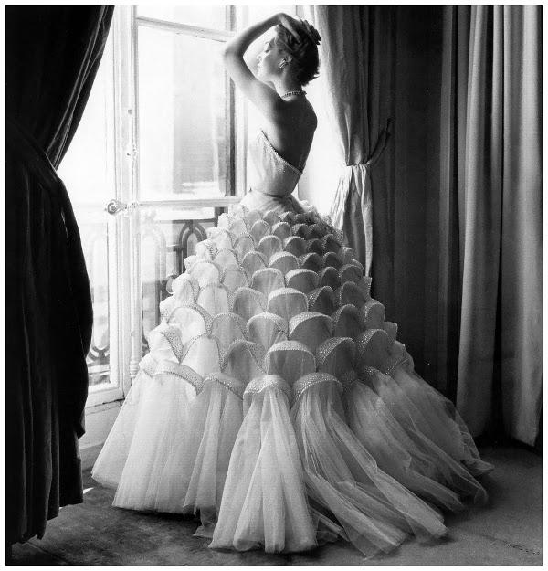 mode ann e 50 60 femme photos de robes. Black Bedroom Furniture Sets. Home Design Ideas